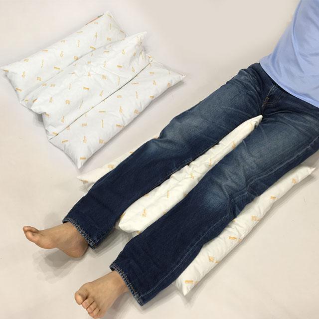 【活用例】下肢の保持に。かかとの床ずれ予防に。股関節を中間位に保ちます。がに股や内股を予防します。