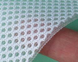 床ずれナース・スティックの表に使用している素材。弾力と通気性のあるメッシュ生地。
